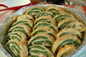 Strudel salato di spinaci ricotta e prosciutto