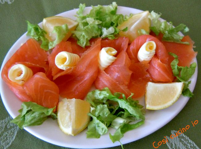Rosette-di-salmone-affumicato - Così cucino io