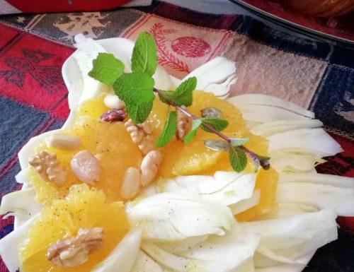Insalata di arancia finocchio e frutta secca