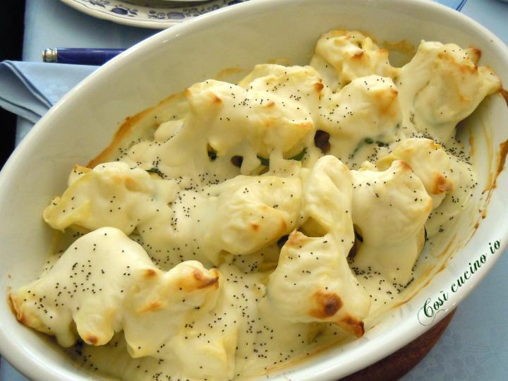 Fagottini ricotta spinaci e semi di papavero - Così cucino io