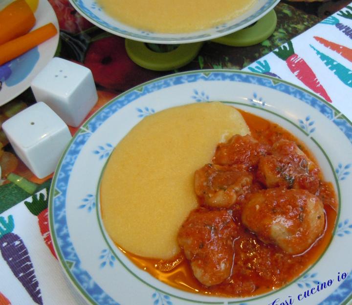 Guancette di coda di rospo in umido con polenta - così cucino io