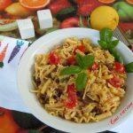 Insalata di pasta mista allo zafferano tonno olive taggiasche e ciliegini