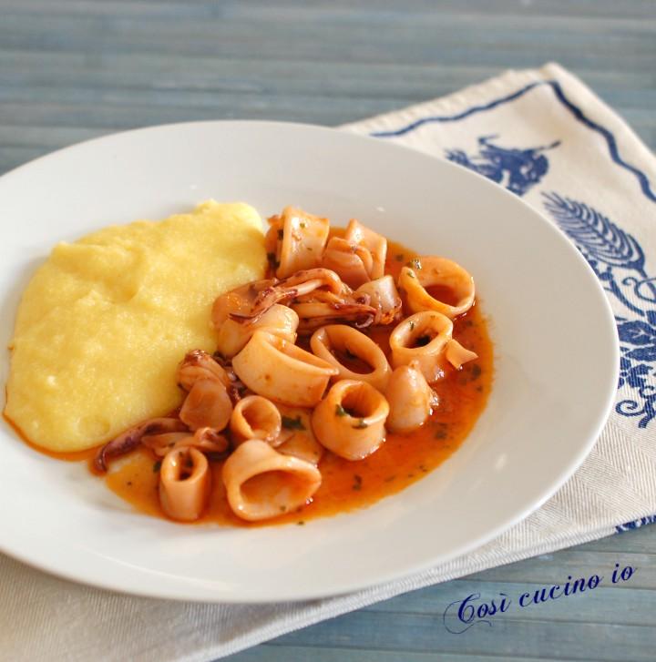 Polenta e calamari in umido - Così cucino io