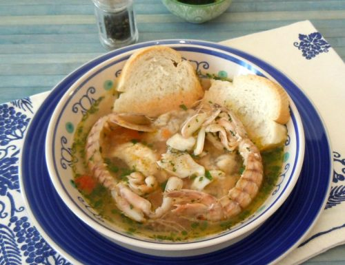 Zuppa di canocchie, coda di rospo e sampietro