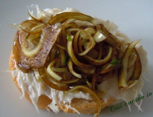 Crostino di bacalà mantecato e carciofi crudi