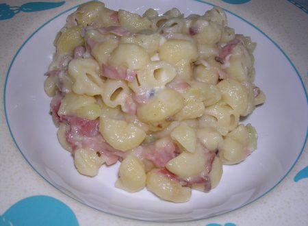 Pasta speck e patate ricetta semplice e veloce