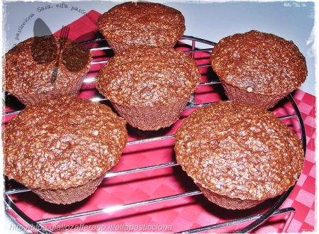 Muffins di crusca al cacao nel microonde