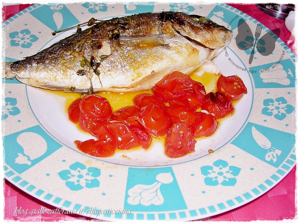 Orata al forno con pomodorini, ricetta light | Sara elfa pasticciona