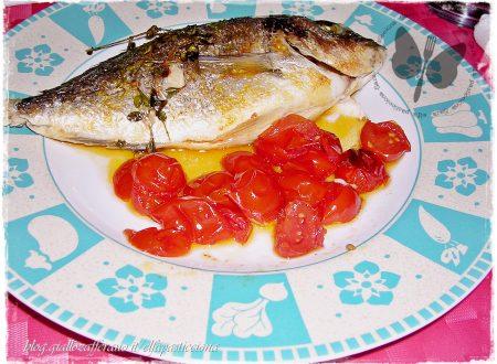 Orata al forno con pomodorini, ricetta light