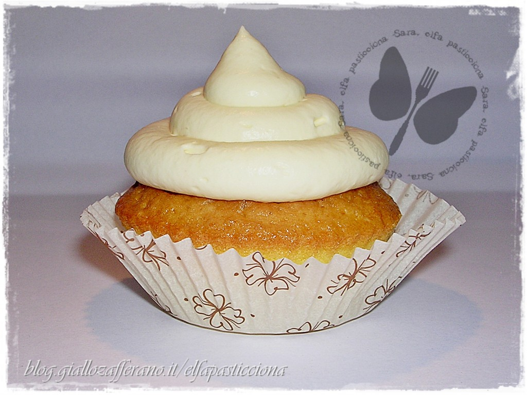 cupcake paradiso con frosting al  cream cheese