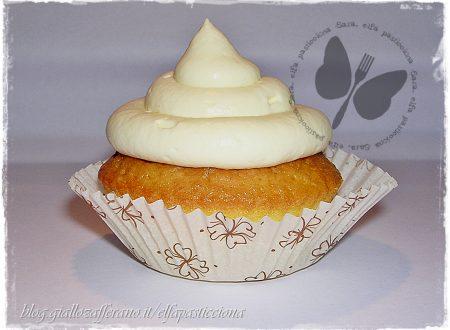 Cupcake paradiso con frosting al  cream cheese e miele