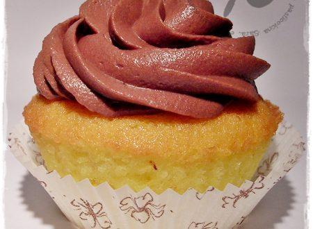 Cupcakes al limone con frosting al cioccolato