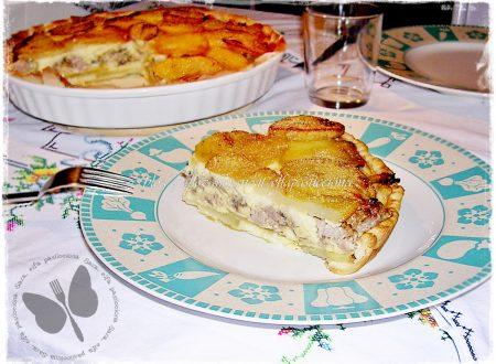 Torta salata salsiccia funghi e patate, ricetta saporita