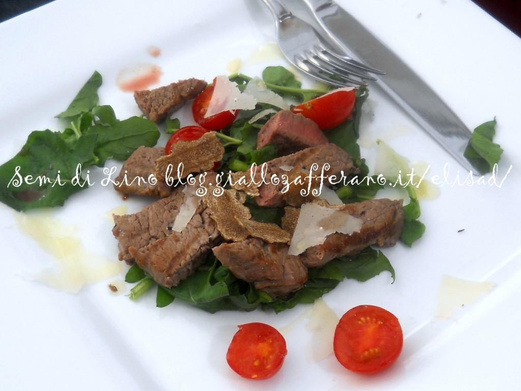 Tagliata con tartufo rucola pomodorini - Ricetta con tartufo