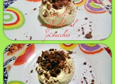 Piccoli semifreddo al pistacchio