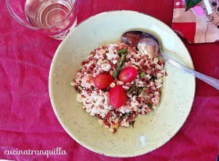 Insalata di riso fredda bicolore