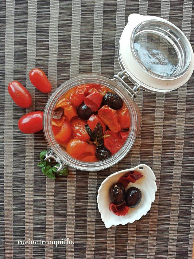Salsa di pomodoro piccante in vasocottura