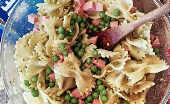pasta fredda con pesto al pistacchio