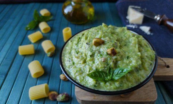 Pesto di zucchine con pistacchi