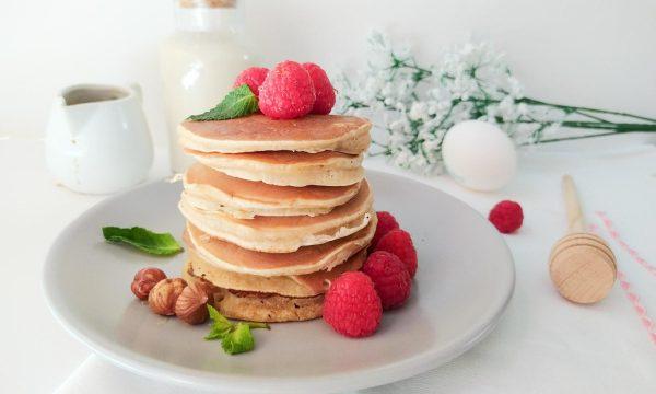 Pancake con farina di riso alla cannella
