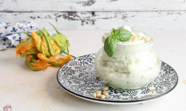 Crema di ricotta con zucchine e pinoli