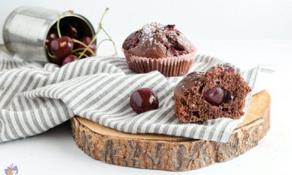 Muffin cioccolato e ciliegie