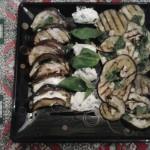 Melanzane alla griglia e formaggio spalmabile – Grilled eggplant and cream cheese