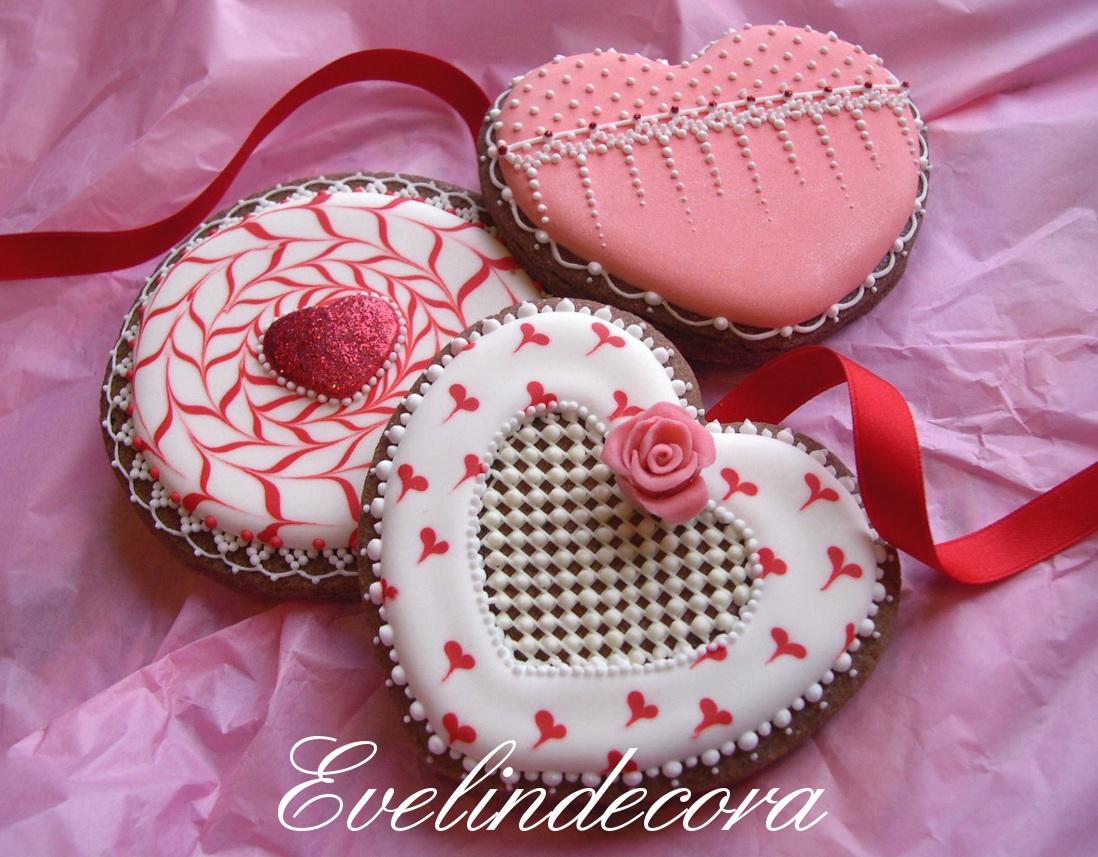 Biscotti san valentino decorati con ghiaccia reale e glitter - Decorazioni di san valentino ...
