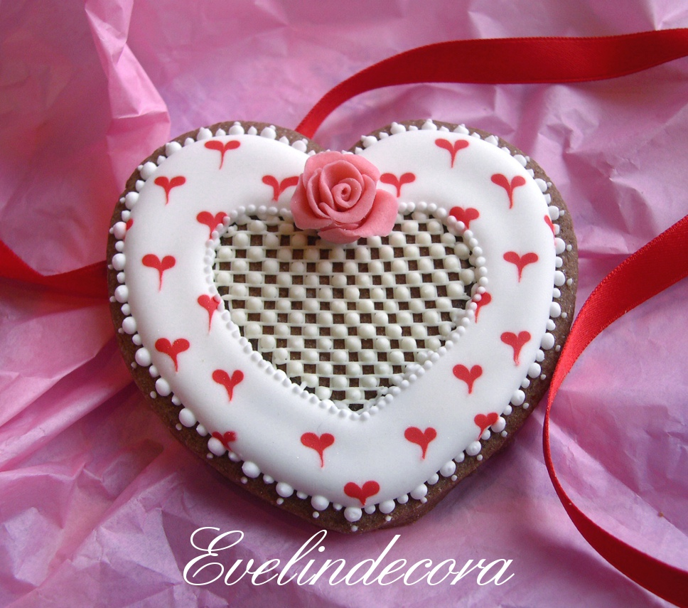 biscotti san valentino decorati con ghiaccia reale Evelindecora