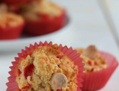 Muffins ai peperoni rossi e mandorle