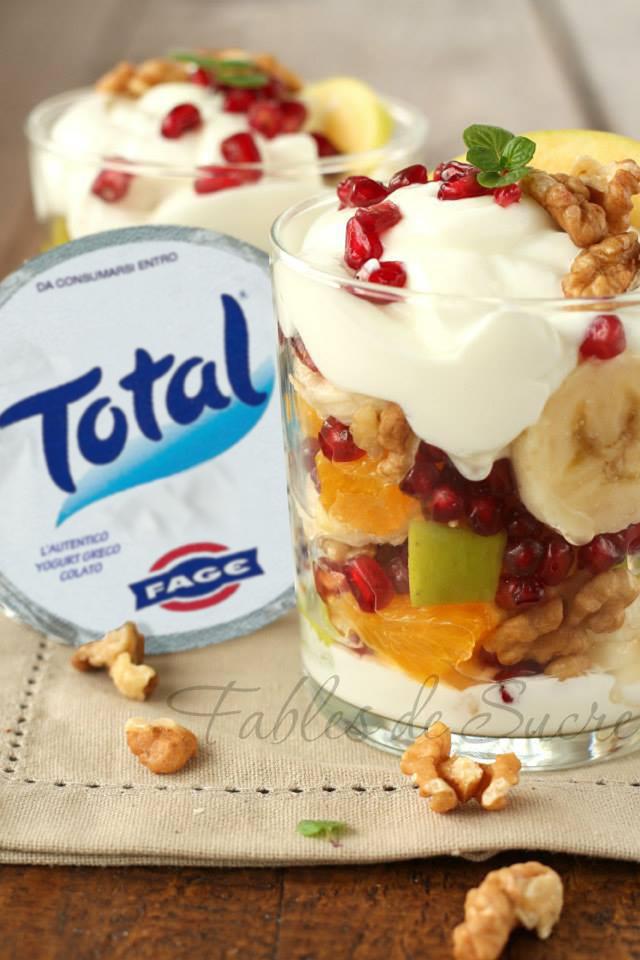 Macedonia con yogurt greco