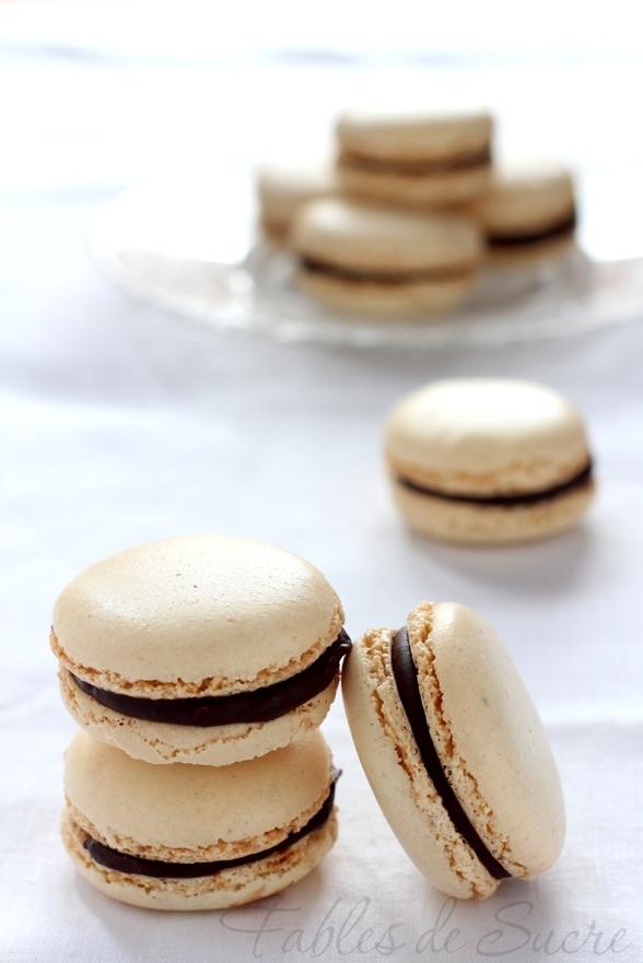 Macaron alla vaniglia e cioccolato fondente