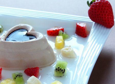 Bavarese cioccolato al latte e guazzetto di frutta
