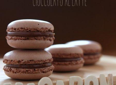 Macaron al cacao e cioccolato al latte
