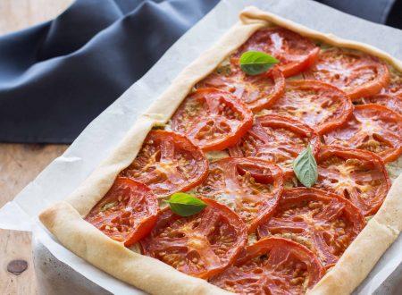 Torta salata pesto e pomodori