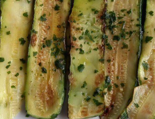 Zucchine grigliate con prezzemolo
