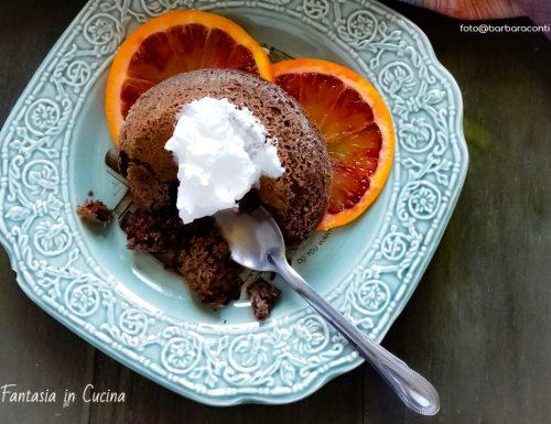 Tortino al cioccolato morbido al profumo di arancia.