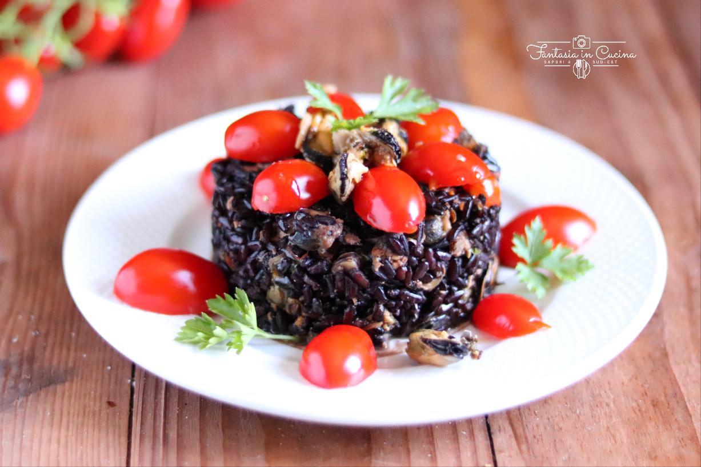 Riso rosso con pomodorini e cozze