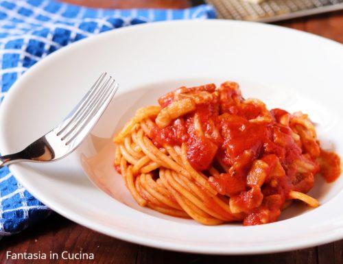 Spaghetti con il sugo all'amatriciana