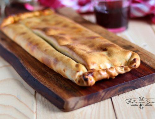 Scaccia pomodoro e cipolla: ricetta tradizionale.