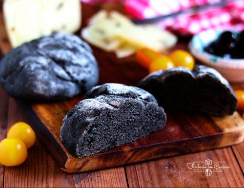 Ricetta: pane al nero di seppia.