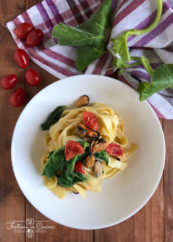 Pasta fresca con tenerumi e cozze: ricetta siciliana