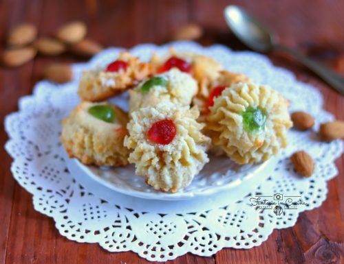 Biscotti di mandorla ricci: ricetta siciliana.
