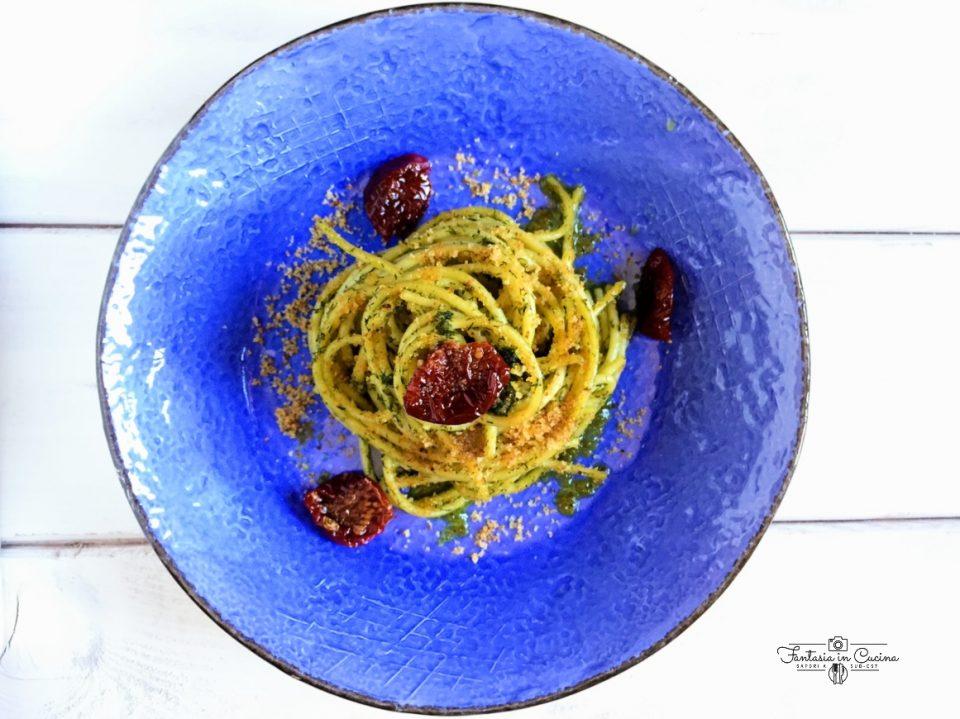 Pasta con il pesto di finocchietto selvatico: ricetta siciliana