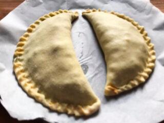 scaccia-ragusana-con-il-finocchietto-selvatico: ricetta ragusana
