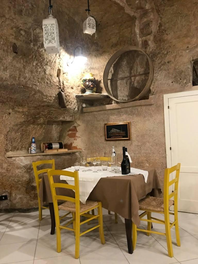 A Scicli: cena alla Grotta