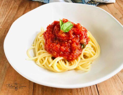Come preparare la salsa di pomodoro e basilico perfetta