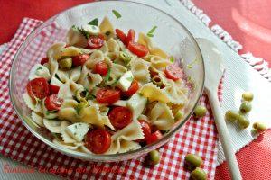 Pasta integrale tricolore (pomodorini, mozzarella e rucola)