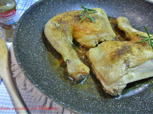 Cosciotti di pollo arrosto in padella