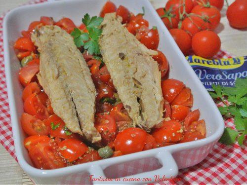 Filetti di sgombro con pomodorini e capperi